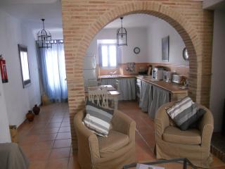 Village House with Stunning Mountain Views, Montejaque
