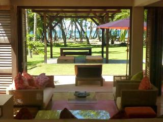 The March House - Beachfront luxury, Mal Pais, CR