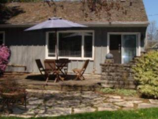 Goodwin Cottage, cozy 2 bedroom cottage with firep