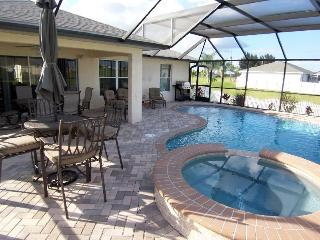 Villa Seastar - 3/br 2/ba nicely furnished, electric heated, salt Pool and Spa Home, off water, HW Internet, in a quiet location, Cape Coral
