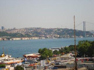 BOSPHORUS DUPLEX FLAT WITH SEA VIEW TERRACE, Istanbul