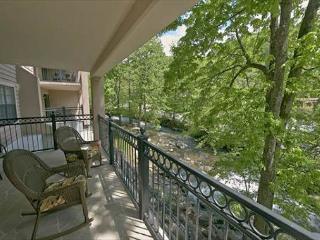High End 2 Bedroom 2 Bath Condo - Walk to downtown, Gatlinburg