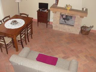 2 Bedroom Holiday Rental in the Heart of Val d'Orcia in Tuscany, San Quirico dOrcia