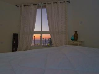 Beatifull big apartment with a sea view, Bat Yam