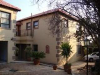 3 two bedrom apartments self catering