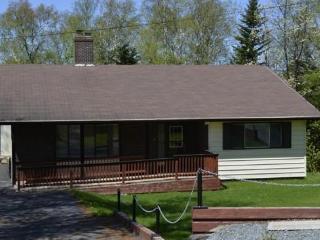 Norwest Adventures - Appleton House 1500 sq ft home (Gander area)