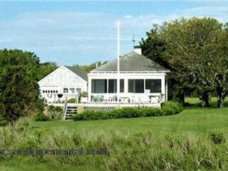#702 three bedroom home w/ private sandy beach, Weston