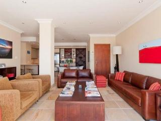825 - CAPRICE, Bantry Bay