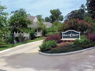 Entry to Bailey Bluff Villas