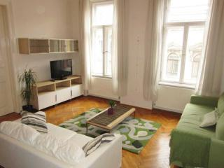 Vibrant 6th district - 3 bedrooms, up to 8 persons, Budapest