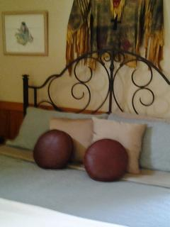 Master bedroom, king size bed,egyptian cotton sheets, seasonal quilts