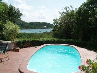 Haiku-Peacefull 3 bdrm villa -Level floor plan-Pool-Spa-Great family villa