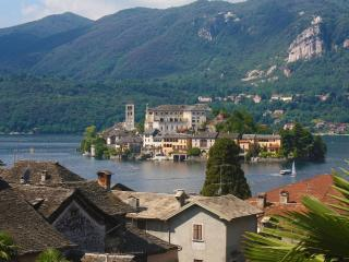 Aprtment with beautiful lake view in the centre., Orta San Giulio
