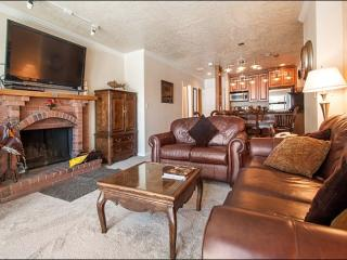 Updated & Refurnished Condo - Great Location at the Base of the Resort (25005), Park City