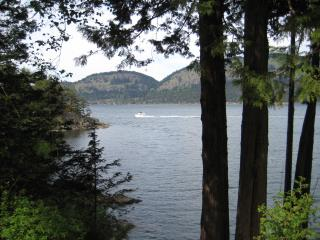 - $1000 / 2br - 1200ft² - Southern Gulf Islands (South Pender), Pender Island