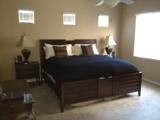 Spacious Master Bedroom Suite - King Bed