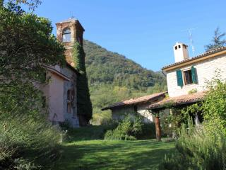 Chiesa ignano 1778 Country House in historic Borgo
