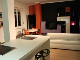 75 mq gorgeous, charming, bright, modern apartment, excellent central location, Napoli