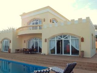 Delightful Spacious Villa , Front Line Beach, Mirleft