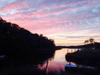 Magical waterfront setting, kayak or walk to beach, East Hampton
