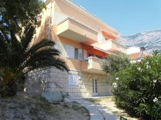 Luigi Apartment 2+3, 50 m from the sea, Makarska