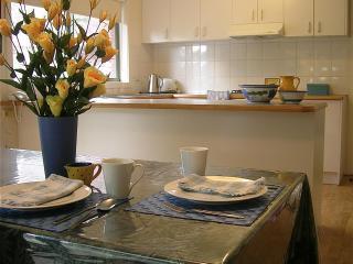 Ringwood Bardia Apartment Dining/Kitchen