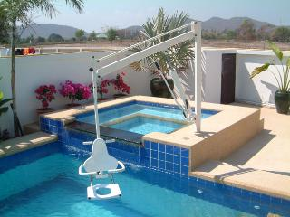 Coconut WHEELCHAIR ACCESSIBLE Pool villa serviced.