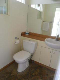 Richmond Accommodation Toilet
