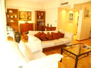 Roomy 3br+3ba best location Recoleta