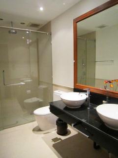 Ensuite second bathroom