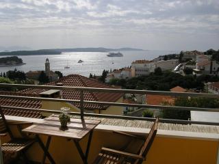 Apartments Novak Ciko | Apt. Flora (2+1), Hvar