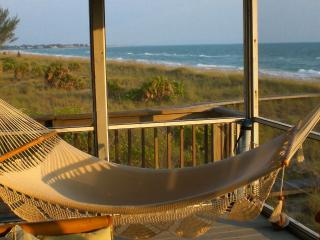Hibiscus House - Beachfront Bliss on the Gulf!, Little Gasparilla Island