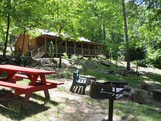 Amazing 4 Bedrm Cabin in the Heart of the Smokies, Cherokee