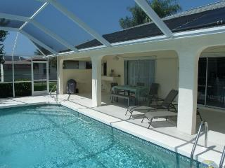 Villa Isabell Cape Coral  3/2 Waterfront 2 Kayaks