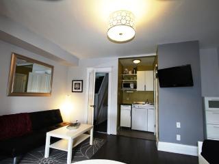 The Great Gerrard - New York Suite, Toronto