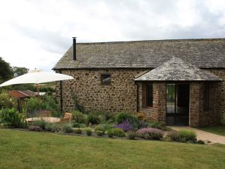 Luxury Pet Friendly Cottage on Historic Devon Farm
