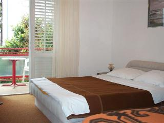 COSY DOUBLE ROOM in HVAR TOWN