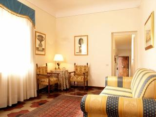 Apartment with a wonderful balcony, Florence
