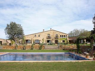 MAS ISERN, Exclusive medieval villa at Costa Brava, Peratallada