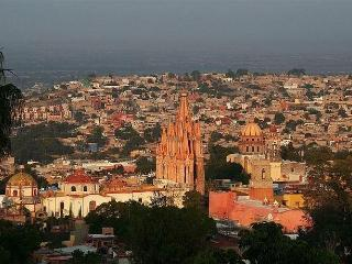 180° VIEW Home 3br/2.5 ba. DOWNTOWN, San Miguel de Allende