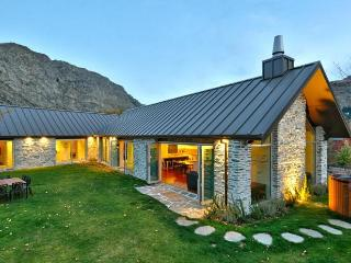 Gucci House - Simply Stunning, Queenstown
