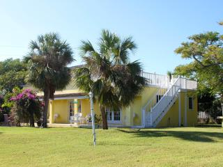 Great home on 5 acre estate, Harbour Island