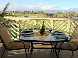 Lovely Fairway Villas  Penthouse unit. Mountain views, Waikoloa