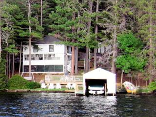 4 Bedroom Waterfront Lakehouse , Dock and Swimming, Weirs Beach