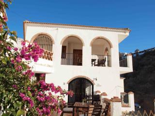 2 bedroom apt in village near beach and Malaga, Totalan