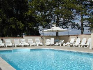 Gite (Cottage) & pool for 2~4 in Charente, France., Barbezieux-Saint-Hilaire