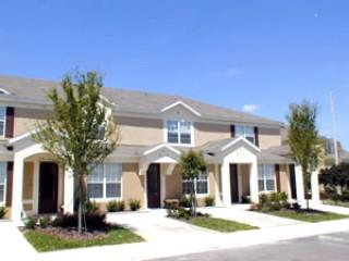 3BR/3BA Windsor Hills townhome in Kissimmee (RS2545-T)