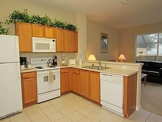 3BR/2BA Windsor Hills townhome with splash pool in Kissimmee (FC7659)