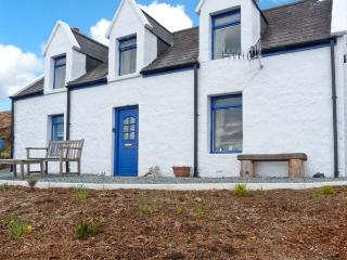SLIOCH, pet-friendly cottage with sea views, open fire, ideal for walking and wildlife, Staffin Ref 14956