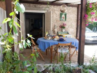 Lovely Sunny Cottage, 90 km from Dubrovnik, Peljesac Peninsula